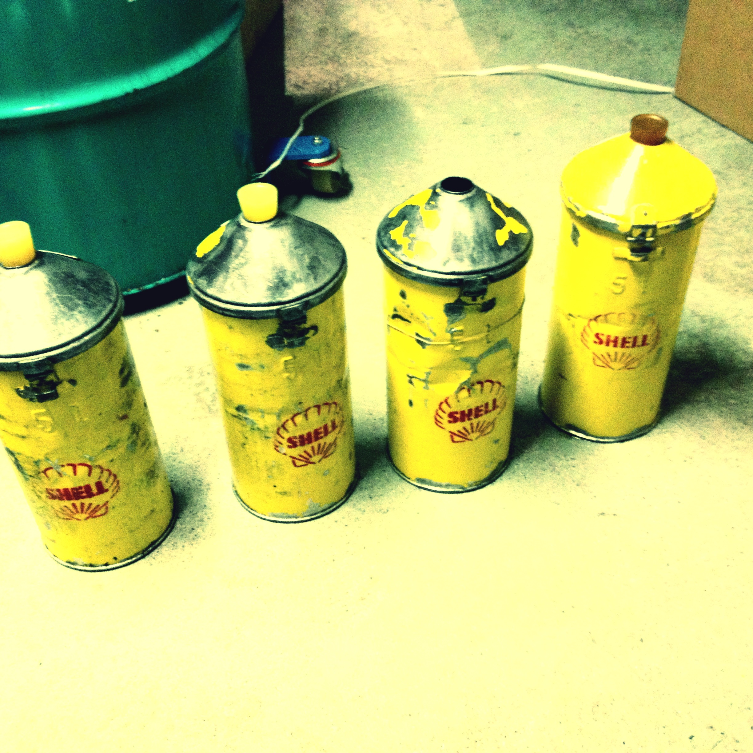 Retro Shell Oil Cans