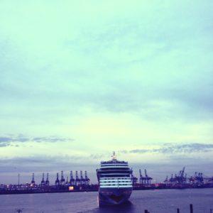 AIDASol @ Hamburg Hafen
